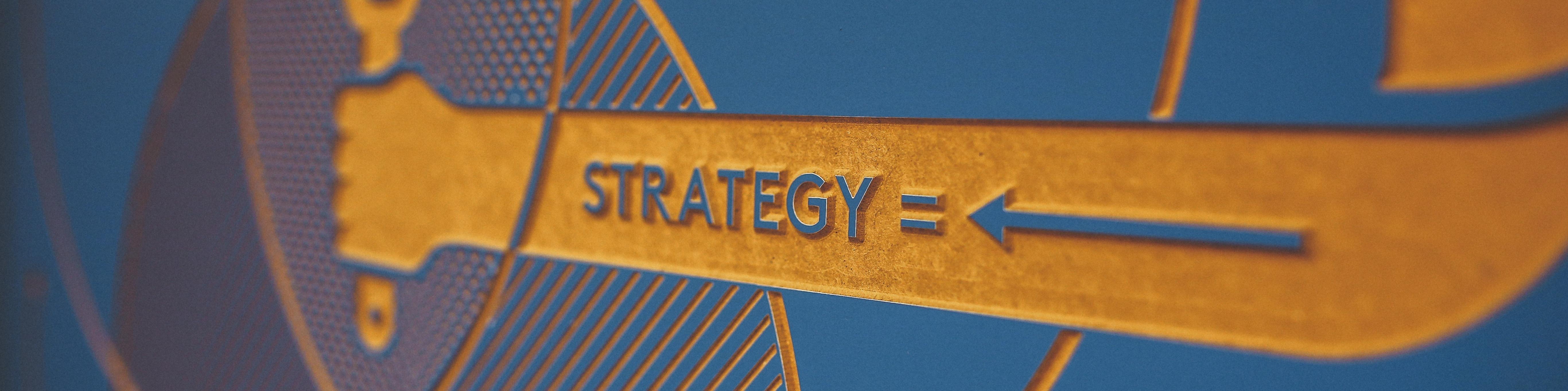 战略和治理