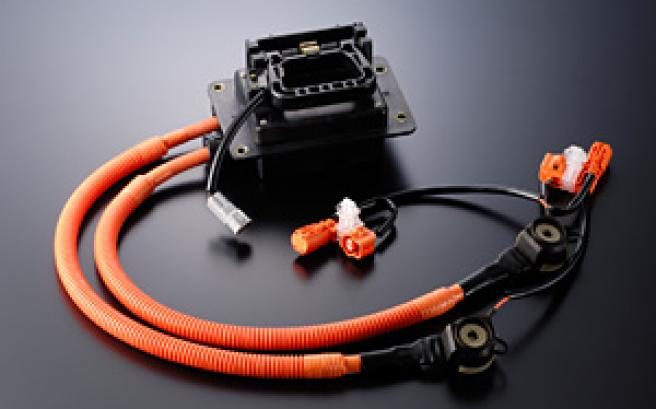 Electronic wires for automobiles and devices, and wiring materials
